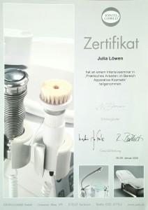 """Zertifikat """"Praktisches Arbeiten im Bereich Apparative Kosmetik"""""""
